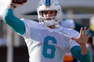 Cutler mit Brustkorbverletzung in den Locker Room gebracht