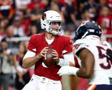 Arizona Cardinals quarterback Josh Rosen (3) looks downfield for a pass during the NFL American Football Herren USA football game between the Arizona Cardinals and the Chicago Bears on September 23, 2018 at State Farm Stadium