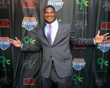 Calais Campbell picture