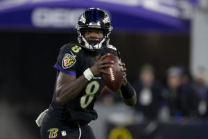 Baltimore Ravens quarterback Lamar Jackson (8) runs the ball in the 3rd quarter against New York Jets at M&T Bank Stadiu