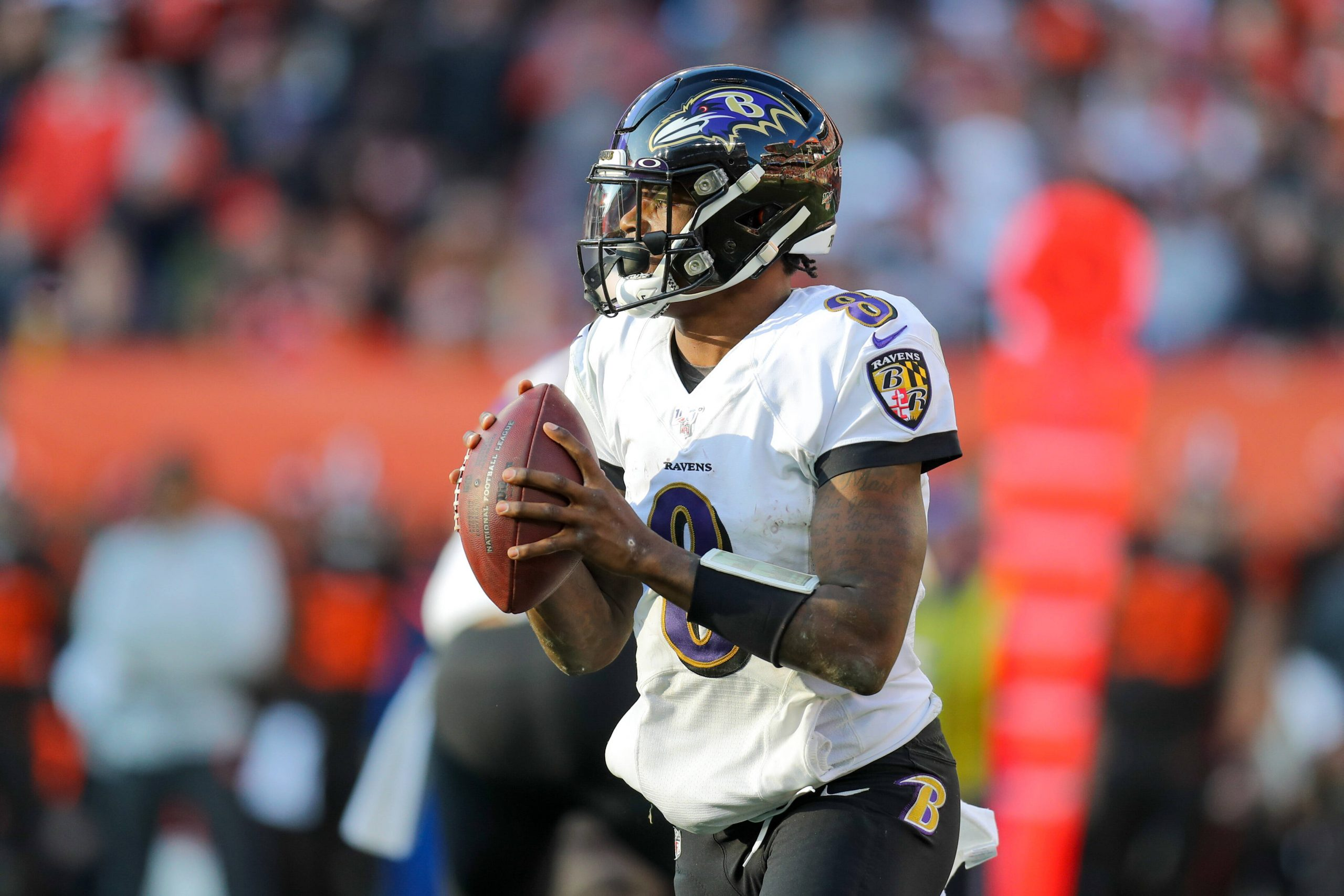CLEVELAND, OH - DECEMBER 22: Baltimore Ravens quarterback Lamar Jackson (8) looks to pass during the third quarter of th