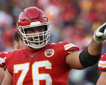 KANSAS CITY, MO - JANUARY 19: Kansas City Chiefs offensive guard Laurent Duvernay-Tardif (76) points to the stands in t