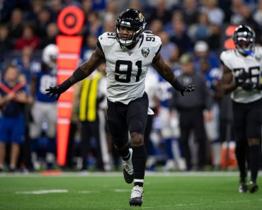 INDIANAPOLIS, IN - NOVEMBER 17: Jacksonville Jaguars defensive end Yannick Ngakoue (91) runs off the field after a fumb