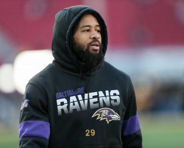LOS ANGELES, CA - NOVEMBER 25: Baltimore Ravens free safety Earl Thomas (29) before the Baltimore Ravens vs Los Angeles