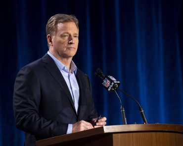 NFL, American Football Herren, USA Commissioner Roger Goodell holds a press conference, PK, Pressekonferenz during Supe