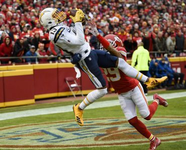 December 29, 2019, Kansas City, MO, USA: Kansas City Chiefs cornerback Kendall Fuller (29) tackles Los Angeles Chargers