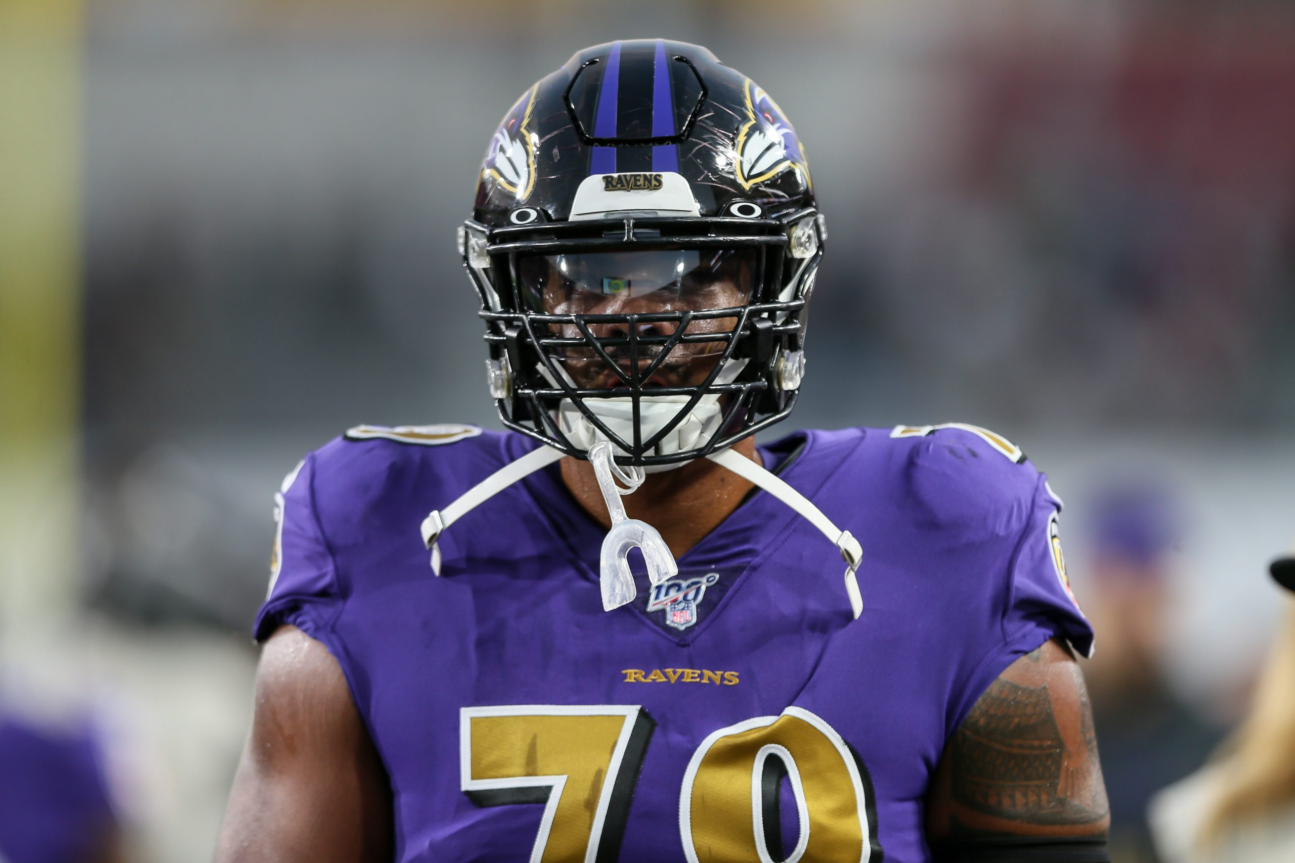 LOS ANGELES, CA - NOVEMBER 25: Baltimore Ravens offensive tackle Ronnie Stanley (79) before the Baltimore Ravens vs Los