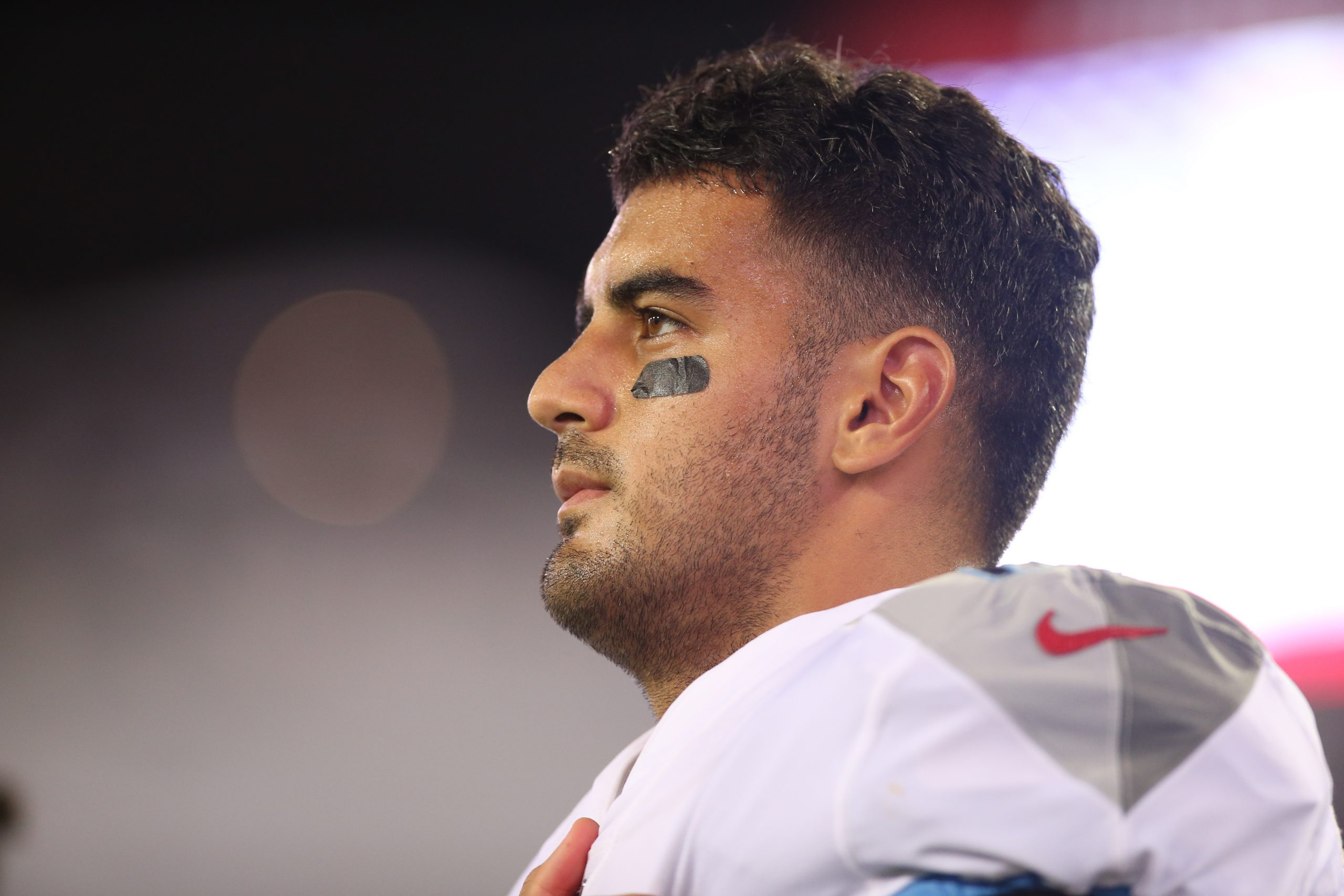 JACKSONVILLE, FL - SEPTEMBER 19: Tennessee Titans Quarterback Marcus Mariota (8) during the game between the Tennessee T