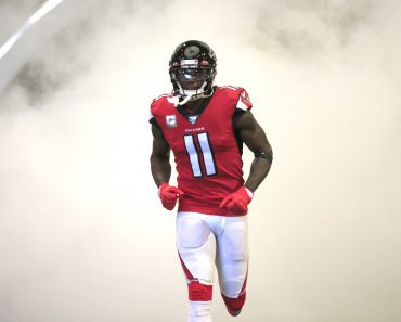 ATLANTA, GA - NOVEMBER 24: Julio Jones (11) of the Atlanta Falcons enters the field for the NFL, American Football Herre