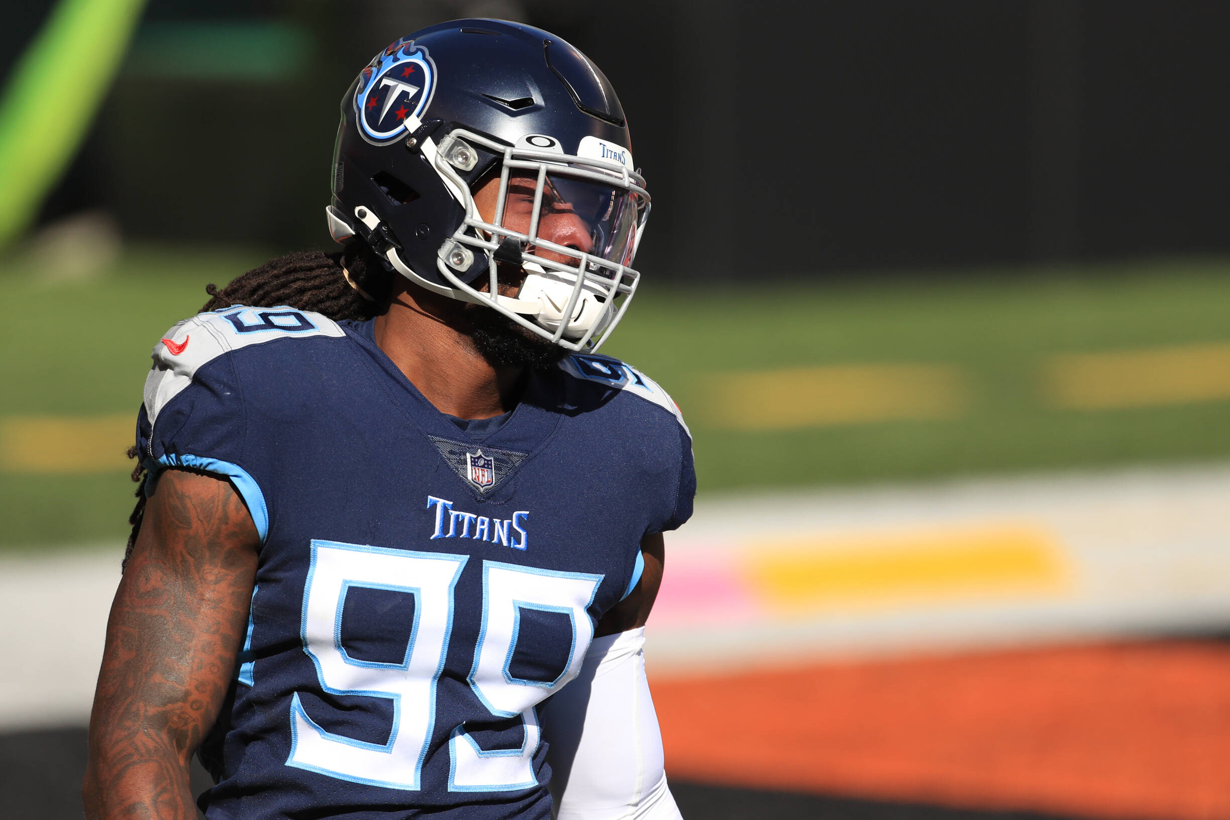 CINCINNATI, OH - NOVEMBER 01: Tennessee Titans outside linebacker Jadeveon Clowney (99) warms up before the game against