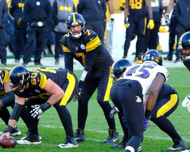 December 2nd, 2020: Ben Roethlisberger 7 during the Pittsburgh Steelers vs Baltimore Ravens game at Heinz Field in Pitt