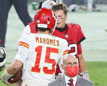 TAMPA, FL - NOVEMBER 29: Tom Brady (12) of the Buccaneers shakes hands with Patrick Mahomes (15) of the Chiefs after the