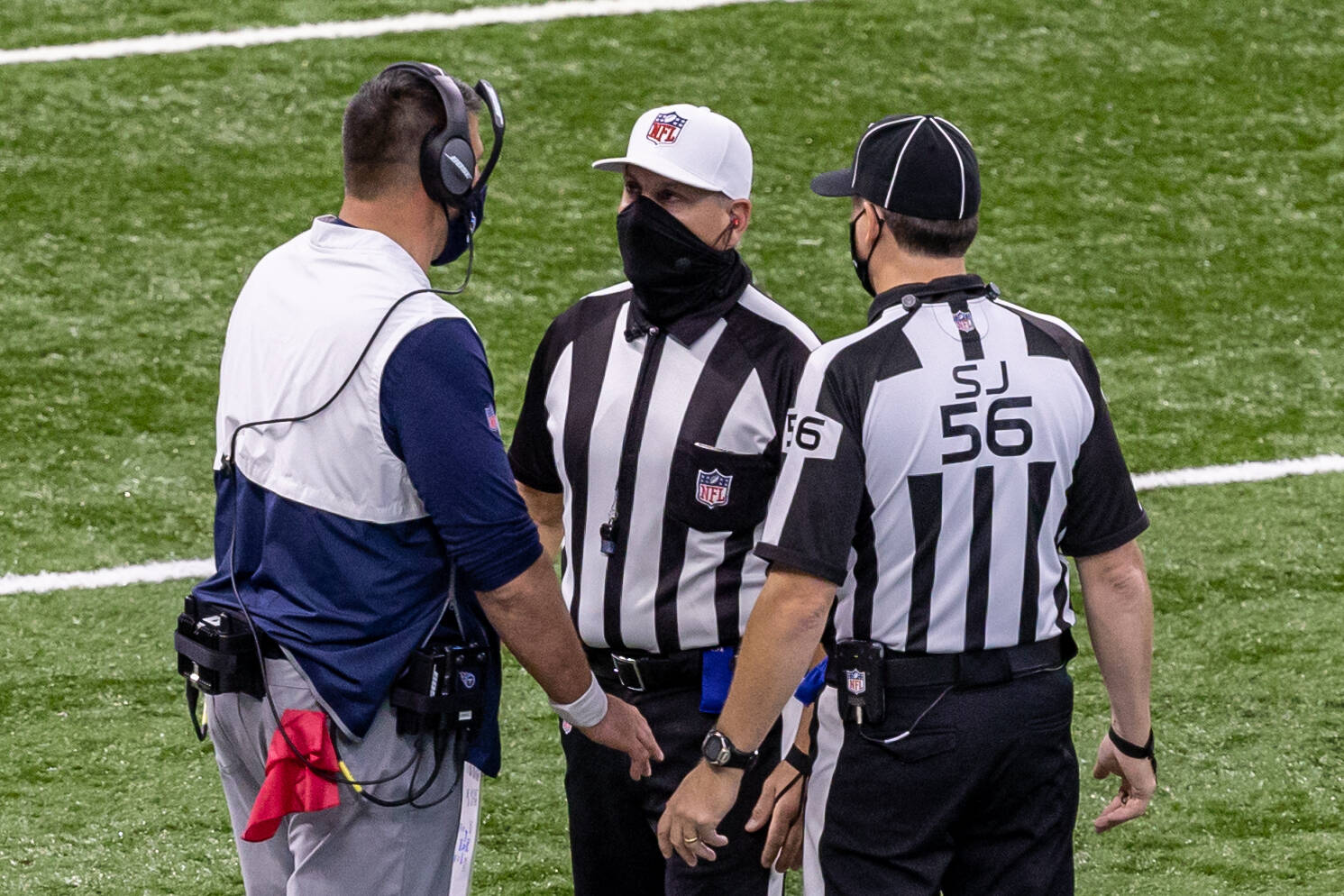November 29, 2020, Indianapolis, Indiana, USA: Tennessee Titans head coach Mike Vrabel talks with referee John Hussey (3