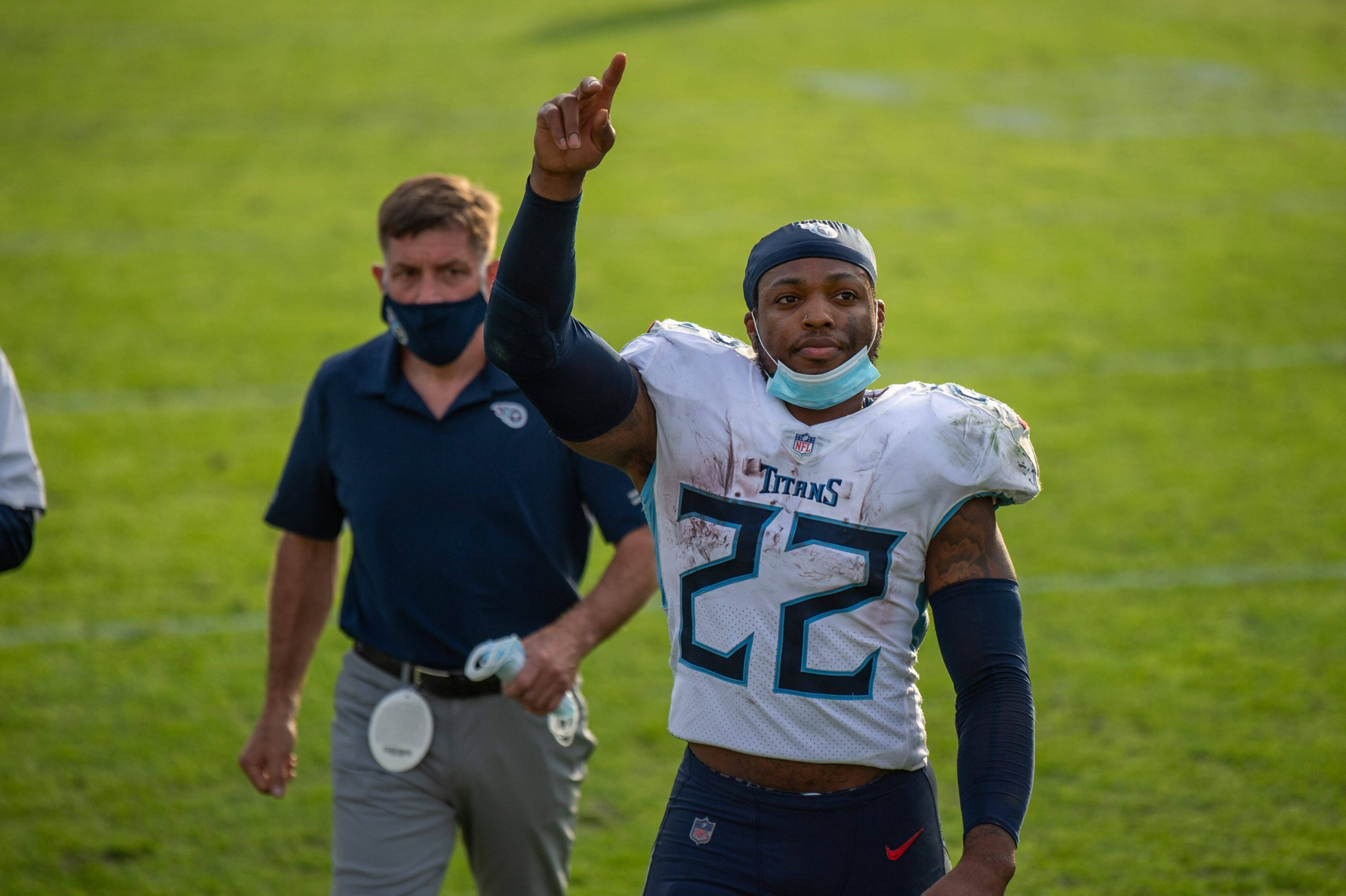 December 13, 2020, Jacksonville, Florida, USA: Tennessee Titans running back DERRICK HENRY (22) points one finger to the