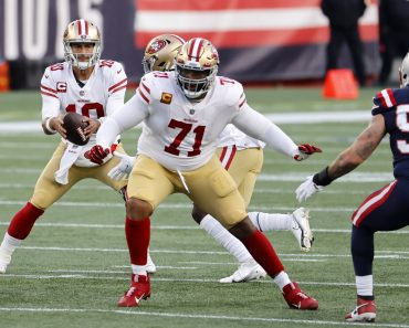 FOXBOROUGH, MA - OCTOBER 25: San Francisco 49ers offensive tackle Trent Williams (71) during a game between the New Engl