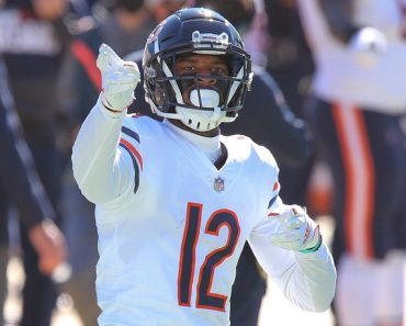 JACKSONVILLE, FL - DECEMBER 27: Chicago Bears Wide Receiver Allen Robinson (12) reacts after a play during the game bet