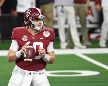 January 1, 2021 Arlington, TX...Alabama Crimson Tide redshirt junior (10) Mac Jones finished 25 for30 for 297 yards and