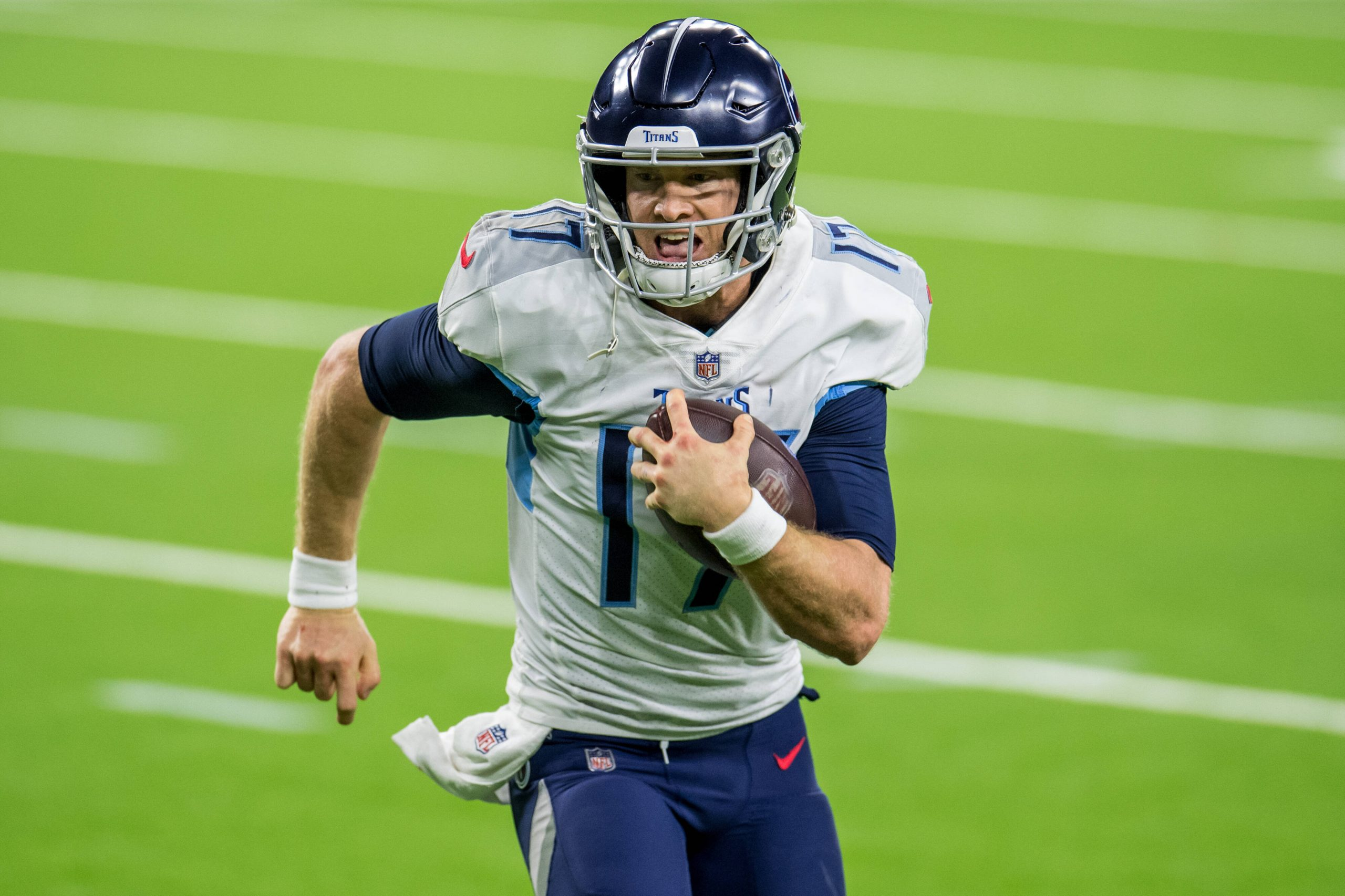 January 3, 2021: Tennessee Titans quarterback Ryan Tannehill (17) runs for a touchdown during the 4th quarter of an NFL,
